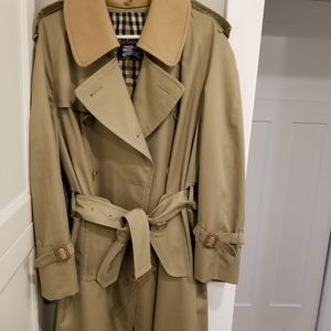 Long Burberry trench with detachable wool collar